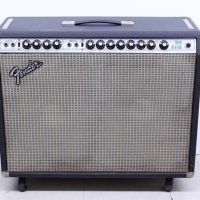 フェンダーのギターアンプ TWIN REVERB(D120F)